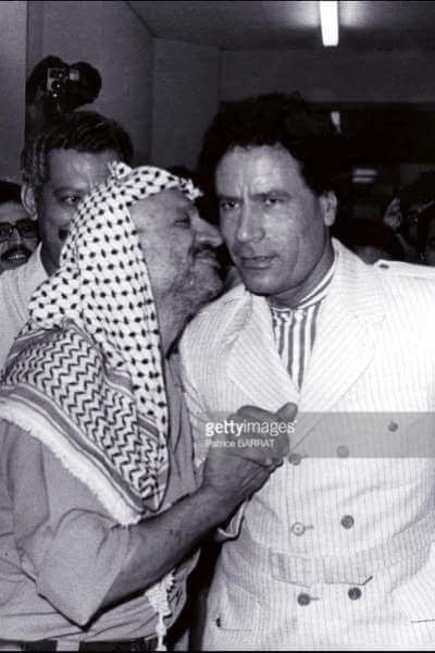 ১৯৮১ সালে বেনগাজিতে গাদ্দাফির সাথে আরাফাত
