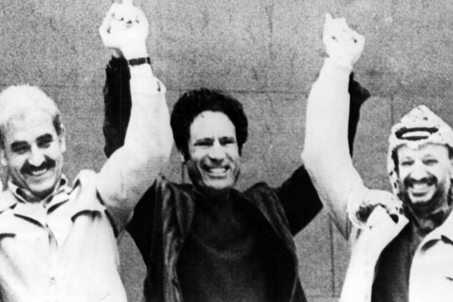 ১৯৭৭ সালে আরব সম্মেলনে গাদ্দাফি, আরাফাত এবং জর্জ হাবাশ